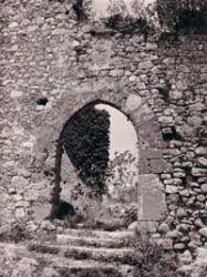 ingresso-al-castello-succor